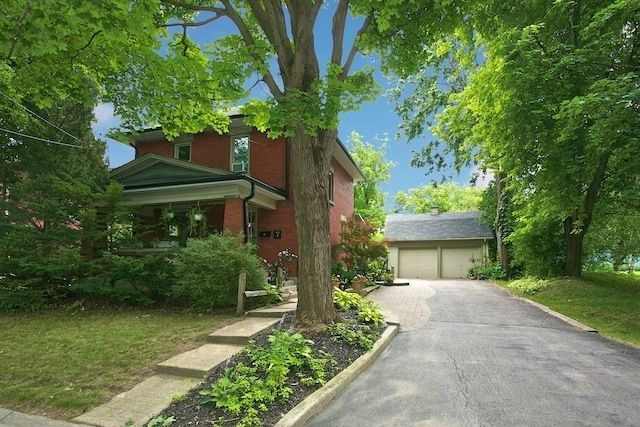 MARKHAM (ON) Lovely Century Home steps away from Historic Main St and Toogood Pond. Home is destinated as a Heritage. Going for $1,060,000. http://www.century21.ca/Property/100889837