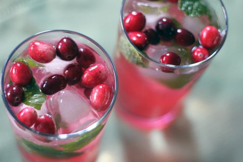 Healthy! Cranberry MojitoHoliday, Happy Hour, Cranberries Mojito, Signature Drinks, Adult Beverages, Christmas Eve, Drinks Recipe, Yummy Adult, Summer Time