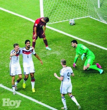 Armario de Noticias: MÜLLER OPACÓ A RONALDO Da triunfo a Alemania con 3...