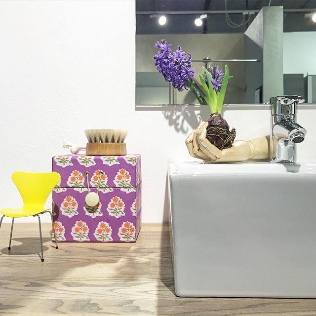 Spring things at Kvik Amsterdam. #kvik #kvikamsterdam #danish #design #spring #yellow #hay #hyacinth #bathroom #wood  #PontebyKvik
