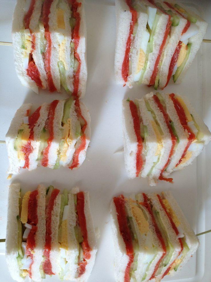 Sandwiches wilde zalm, komkommer en ei, gemaakt 9-3-2014