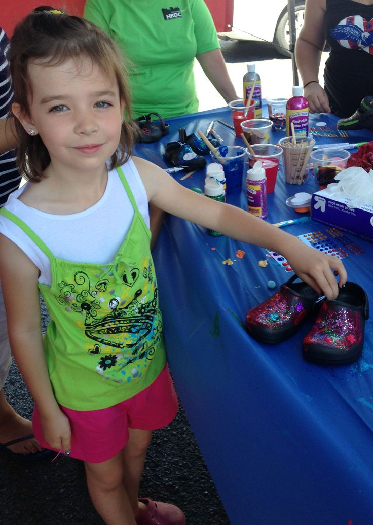 More than 1,400 pairs of BOBS from SKECHERS were donated and distributed to the children from local Head Start programs and elementary schools.