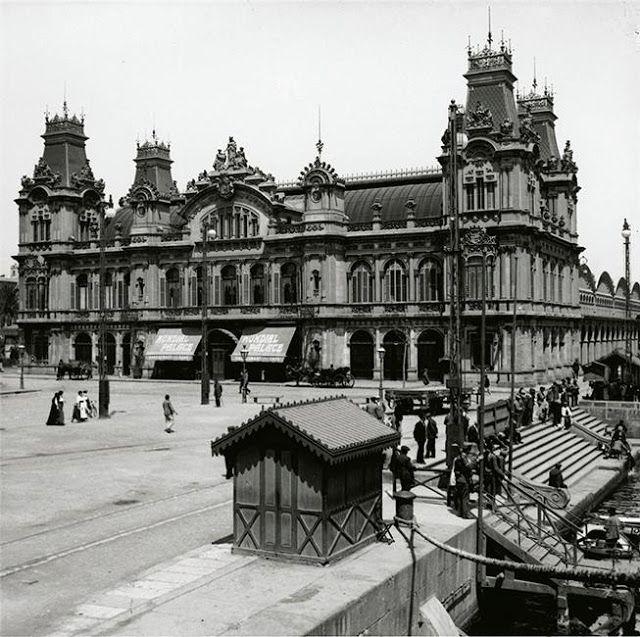 Hotel Mundial Palace a la Porta de la Pau, c. 1910. AFB. Enric Castellà.