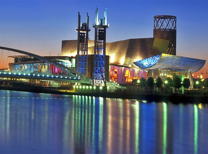 The most visited attraction in Manchester, the Lowry is a theater and gallery complex in Salford Quays. It houses 2 theaters for the performng arts, showing drama, musicals, dance and children shows and a host for major events like the BBC quiz show Mastermind in 2003. Aside from the two theaters, the complex also has cafes, bars and restaurants for visitors.