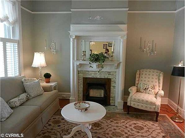 https://i.pinimg.com/736x/6d/f9/3b/6df93b16175980990d097fe5cac1dd8c--living-room-bar-small-living-rooms.jpg