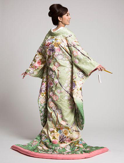 ウエディングドレス、高品質な結婚式ドレスならW by Watabe Wedding / 色打掛【桜桧小熨斗】