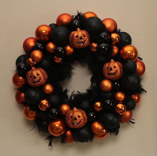 Halloween wreath    sew-inlove.blogspot.com