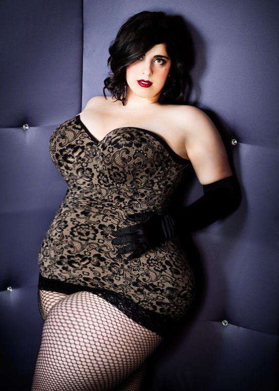 how to become a plus size pin up model