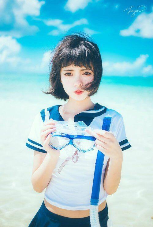 Image via We Heart It #bluesky #japan #ocean #schoolgirl #schooluniform