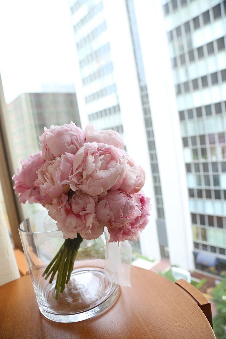 新郎新婦様からのメール 芍薬のブーケ ペニンシュラ東京様へ2 一番楽しかった一日、一人から二人へ : 一会 ウエディングの花