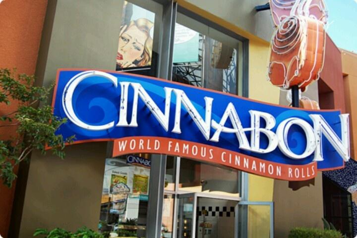 Ahh I love Cinnabon<3