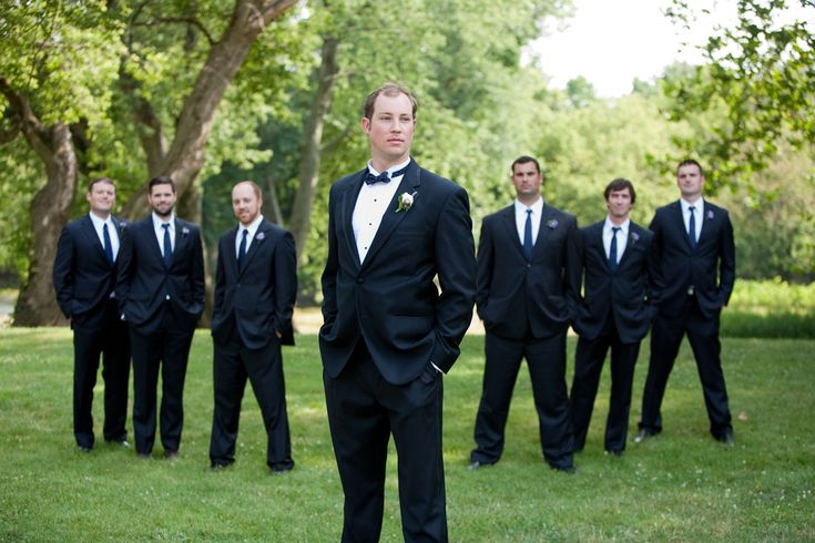 outdoor #wedding photography | groomsmen in black | @haasweddings