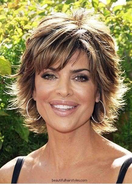 Corte de cabello moderno para mujer madura
