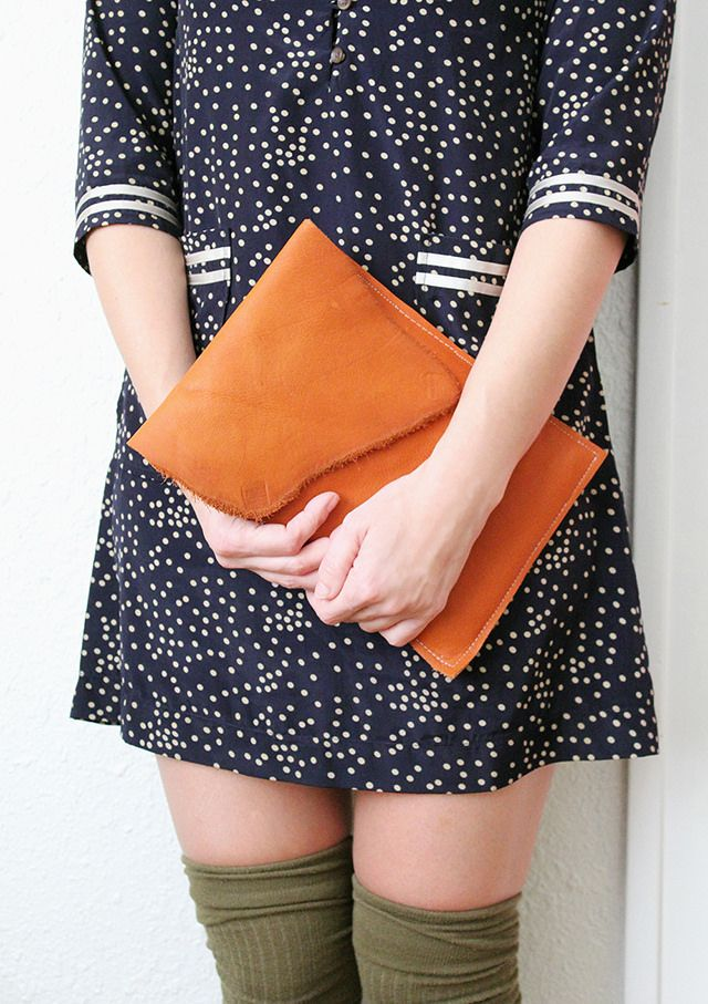 Make Your Own Leather iPad Case // DIY