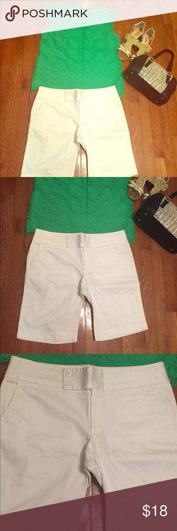 White Old Navy Bermudas White double button/tab closure stretch Bermuda shorts with side slant pockets and back pockets. Cotton/spandex blend, cute cuffs; EUC. Perfect with a polo or tee or even a sweet summer blouse. Old Navy Shorts Bermudas
