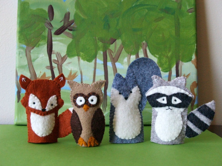 Quiet Quilt Puppets: Woodland Creatures.  Even though I will not purchase this pattern, I think that I can replicate these, and tuck them into a Woodland/Tree square. :)