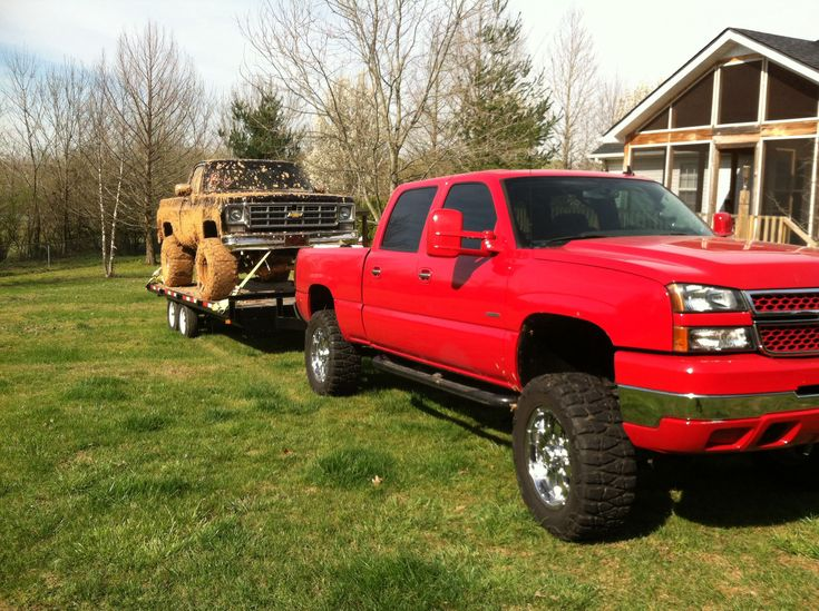 2007 Chevy 2500HD Classic Duramax LBZ towing my mud truck