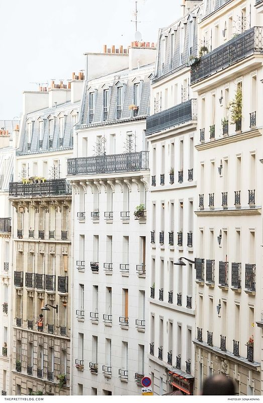 Stroll through the streets of the City of Love with true romantics!