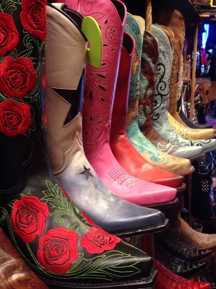 Nice Sendra boots