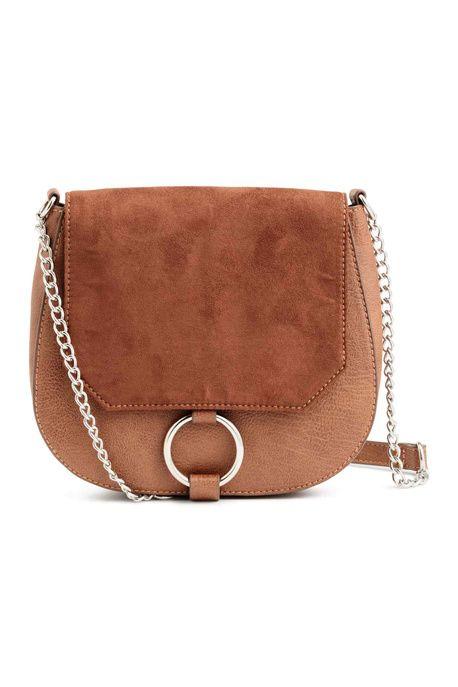 Un sac à anneau bicolore