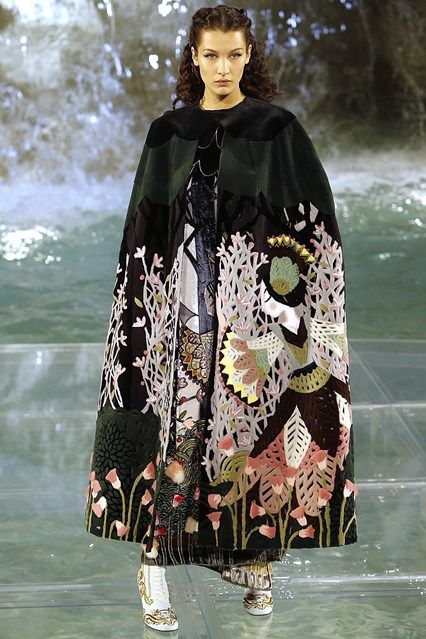 Fendi - Autumn/Winter 2016-17 Couture - Paris (Vogue.co.uk) - oriental embroidery