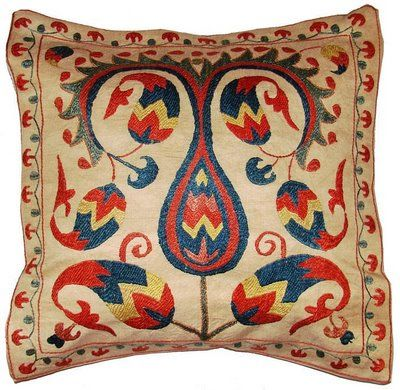AP155 784126 Suzani Pillows