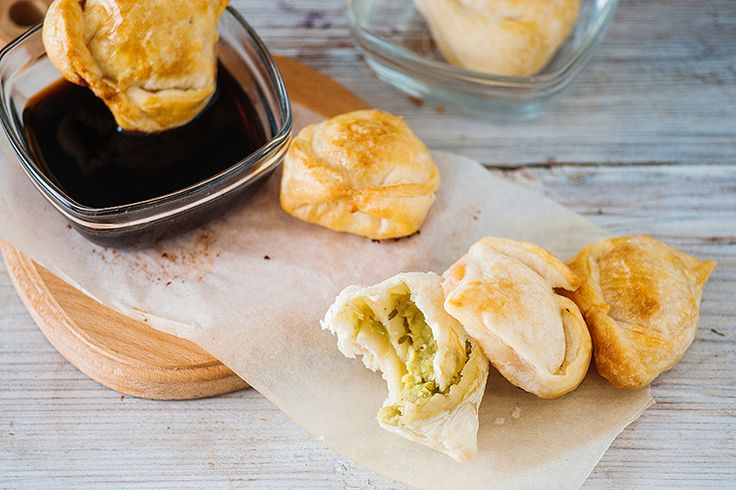 Our Avocado Wontons are baked instead of fried and stuffed with an avocado and Asian coleslaw mix. You'll love these crispy outside, creamy inside snacks!