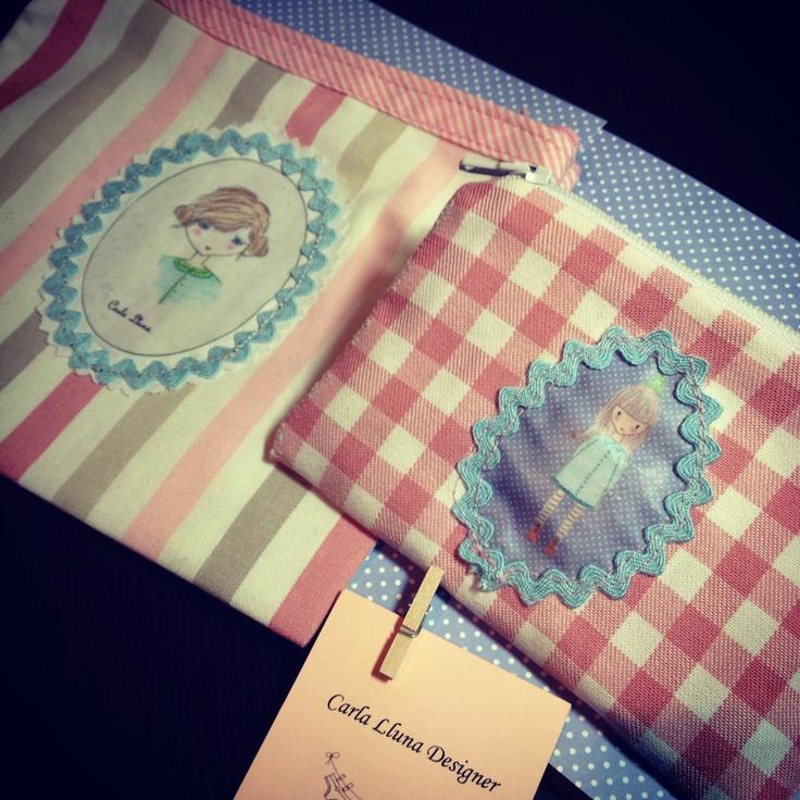 Little bags with my ilustrations. Carlallunaknitting.blogspot.co.uk