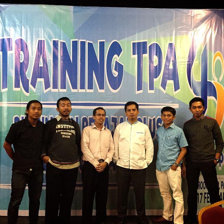 Pemateri Training Tes Potensi Akademik siswa(i) 4JO @Ballroom Diamond Mall Panakkukang Makassar.