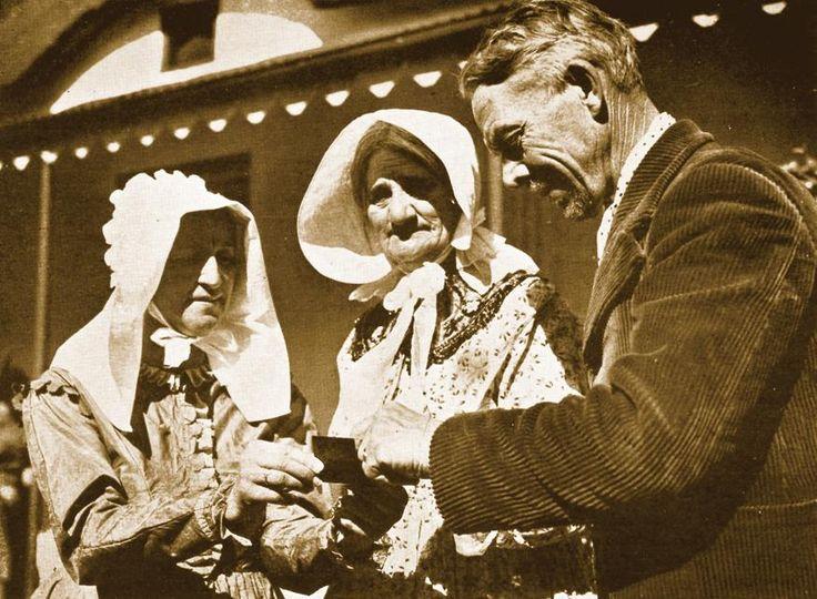 1938: die jaar was van die Simboliese Ossewatrek, een van die grootste gebeurtenisse in die Afrikaner-geskiedenis. Nege waens, elkeen met sy eie naam, het deelgeneem aan die trek, wat in Augustus '38 in Kaapstad begin en op 16 Desember in Pretoria met die hoeksteenlegging van die Voortrekkermonument geëindig het.