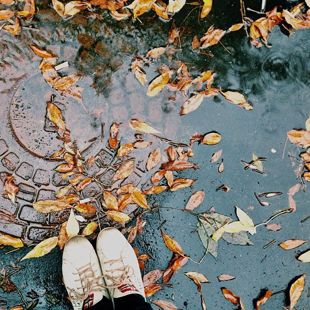 sneakers & rain girl autumn