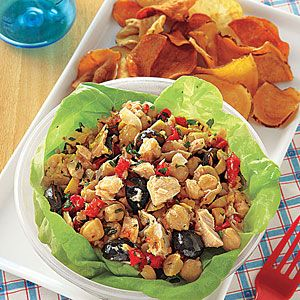 Tuna, Chickpea and Red Pepper Salad - tuna has lots of those nice omega-3 fatty acids my mother is obsessed with.