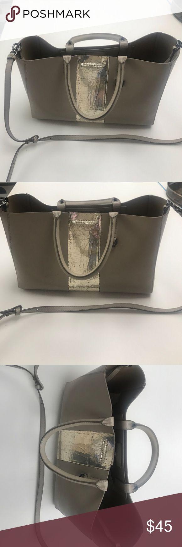 Banana republic handbag Super cute tote with shoulder strap and metallic detail panel Banana Republic Bags Totes