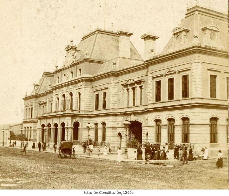 Estación Constitución, c. 1890s. Construida en 1887 por los arquitectos ingleses Strong & Parr de Londres.