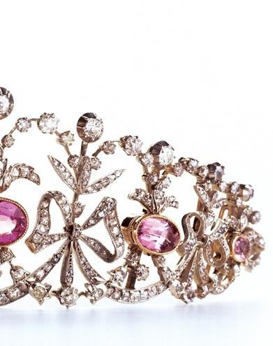 Diamond and pink topazes « Bowknot » tiara, Joseph Chaumet, circa 1890. Collection Chaumet Paris. #Tiara