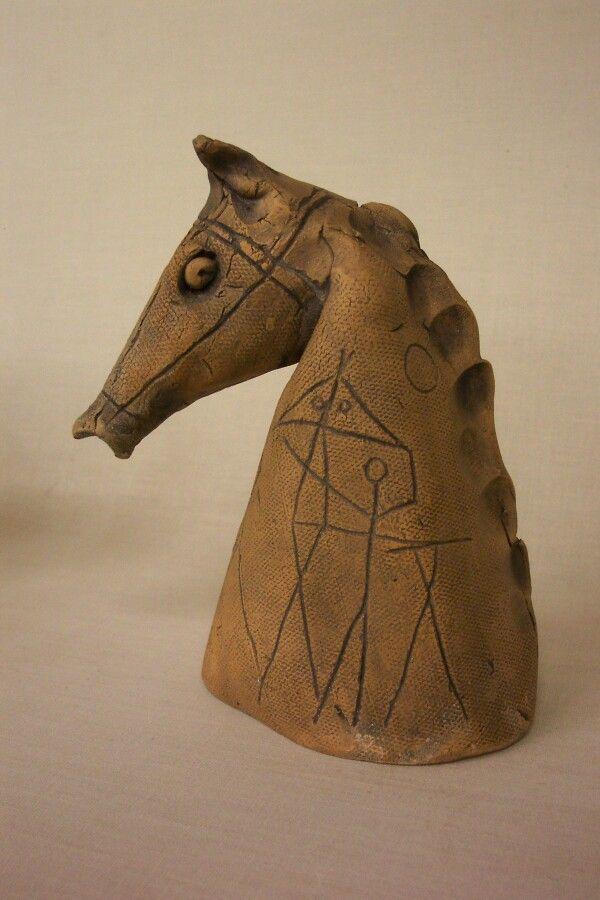 """HORSE HEAD""      ceramic                                  by Klaus Dusselberg"