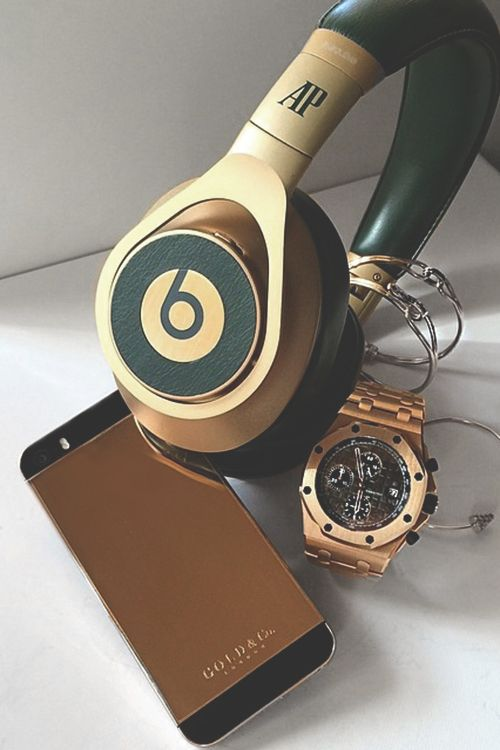 johnny-escobar: G&Co. 24k Rose gold iPhone x Audemars Beats & watch | JE luxurymoney|Source|More