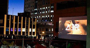 Joburg 's Darling- outdoor rooftop cinema