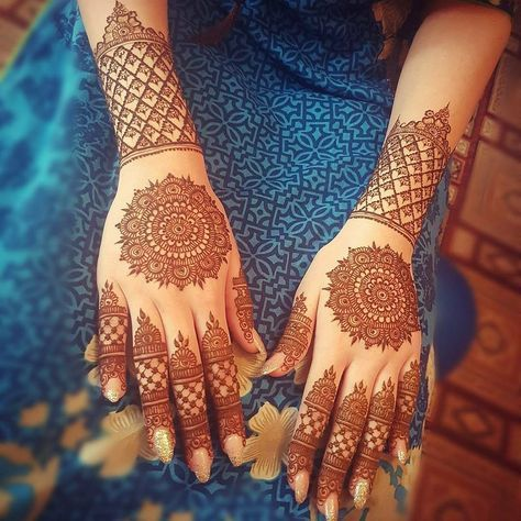 "3,725 Likes, 19 Comments - ✨ Daily Henna Inspiration ✨ (@hennainspo_) on Instagram: ""pretty mandalas // by @marysmehndi . . . #henna #mehndi #ibeautydaily #whitehenna…"""