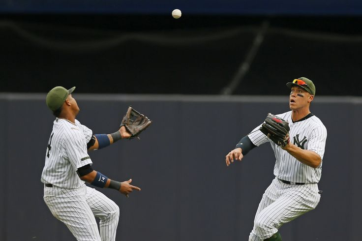 "Aaron Judge's right-field circus shows it's all going well for Yankees Sitemize ""Aaron Judge's right-field circus shows it's all going well for Yankees"" konusu eklenmiştir. Detaylar için ziyaret ediniz. http://xjs.us/aaron-judges-right-field-circus-shows-its-all-going-well-for-yankees.html"