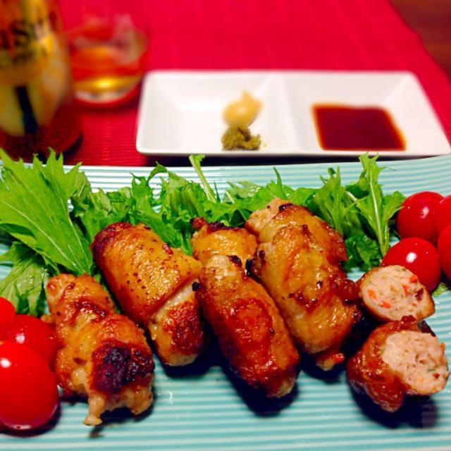 居酒屋で食べる鶏皮餃子が大好きですが、家で作る時は、簡単に、挽肉を鶏皮で巻巻して作ります! 周りカリッと中はふわっと❗️ 美味しいんですっo(*'▽'*)/☆゚' - 169件のもぐもぐ - 簡単鶏皮餃子柚子胡椒風味とカレー風味 by takaram
