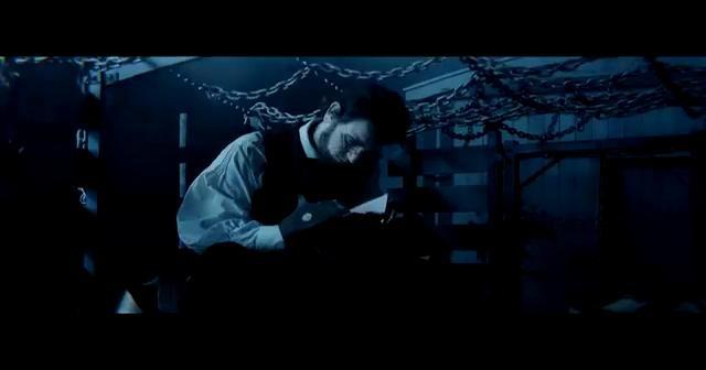 Abraham Lincoln: Caçador de Vampiros - Linkin Park - Powerless by cinemabh. Sinopse: Na trama após a morte de sua mãe por vampiros, Abraham Lincoln passa a ter forte desejo de eliminar essas criaturas sobrenaturais e se torna um experiente caçador de vampiros.