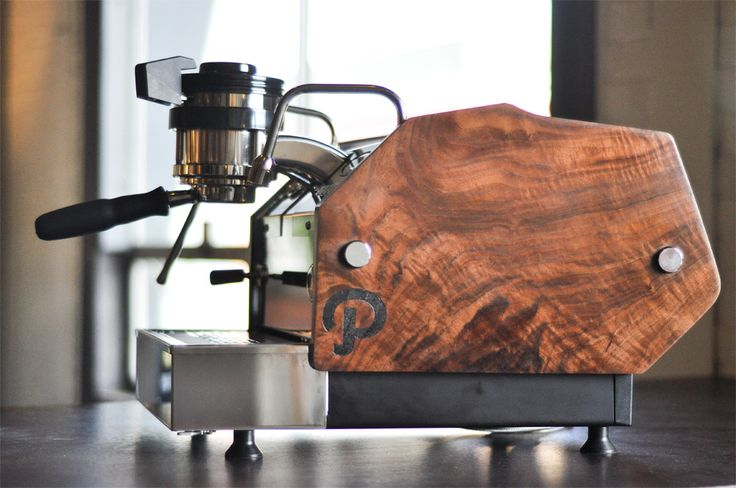 Walnut Pannels, beautiful Clive Coffee #Follow #Like #Share Thanks Follow us https://twitter.com/LeMarzocco