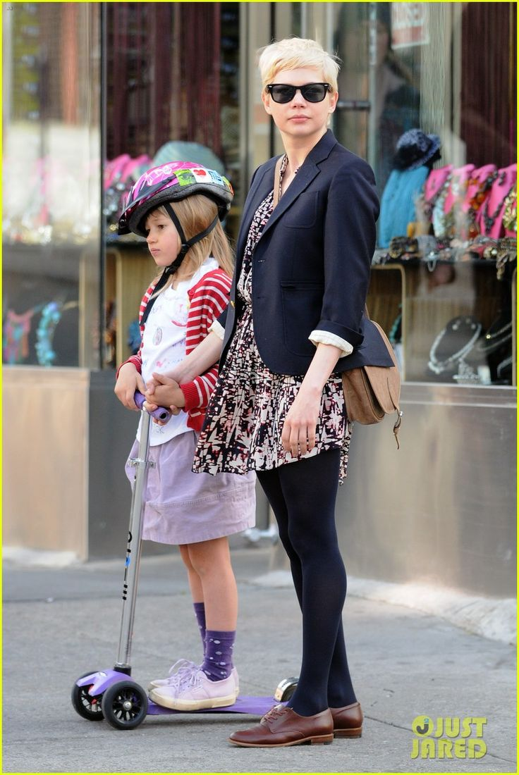 I like these shoes with the black tights (Michelle Williams). I like the small child...