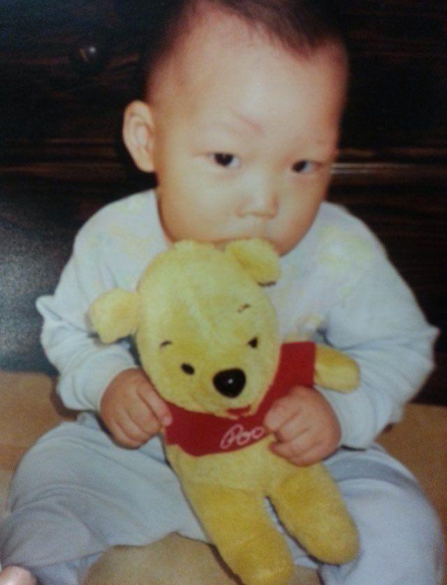 Unseen photos of #iKON via Zeerow App #baby #Bobby with his #Pooh