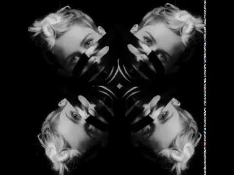 """Новая тема Ханна Монтана в стиле садо-мазо предлагается вашему вниманию на PRO $€X  22-летняя певица и актриса, звезда канала """"Дисней"""" и кумир многих тысяч подростков, Майли Сайрус решила взять на себя нелёгкую роль секс-символа. Чтобы не размениваться на мело"""
