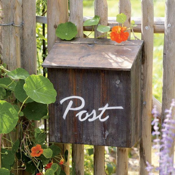 маскировка прячет декоративные почтовые ящики из дерева фото утварь выполняется
