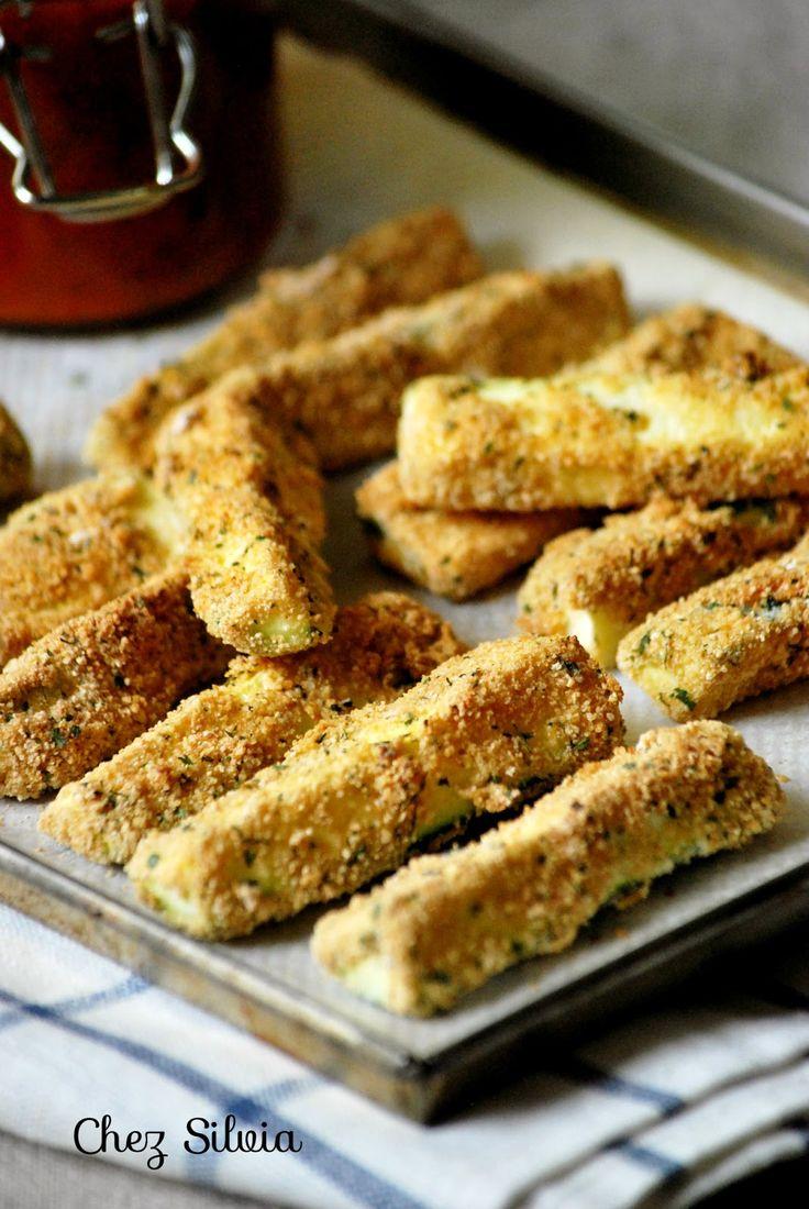 barritas de calabacin rebozadas sin gluten salsa de tomate, verduras