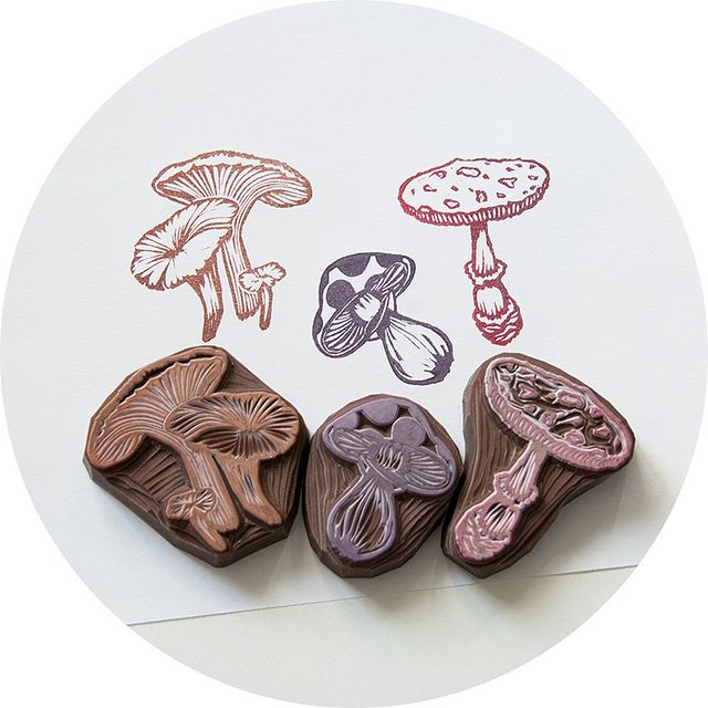mushroom, fungi, hand carved rubber stamp, lino, printmaking, illustration, nature, flora, colour, print