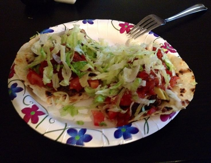 ZONE 3 block dinner- 2 corn tortillas, 1 oz cheese, 3 oz ground beef, 3/4 c tomatoes, 1TBS avocado, 3TBS salsa, lettuce